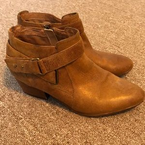 CLARKS Indigo women's leather ankle boots. Size 9M